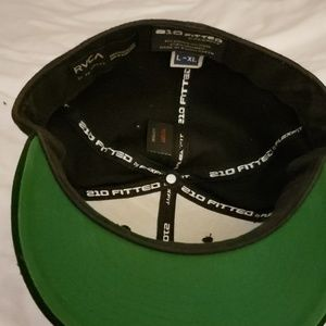 RVCA Accessories - RVCA  Fitted hat large fits With band